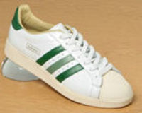 Adidas Tennis Advantage OG White/Green Leather Adidas Tennis Advantage OG White/Green Leather Trainers< Colourway: White Green Light GreenSmooth white leather uppers with matching leather tongue bearing the legend Tournament Edition and the http://www....