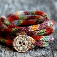 knitted bracelet - i'dposton craft ideas but I can't knit :-( super cute though