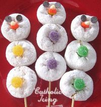 What a great way to explain the Trinity to kids!!! I LOVE IT! Mini donuts- three snowballs, one snowman.
