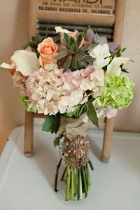 Another trend will be with the use of more unconventional bouquet plants and natural earthy greens, such as feathers, fruit, grasses, ferns and herbs, creating an english garden style.