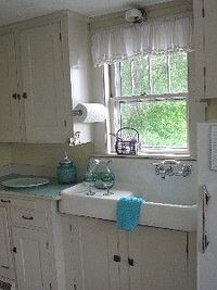 1920's farm kitchen...simple and cute!
