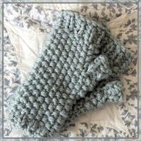Super Bulky Seed Stitch Gauntlets