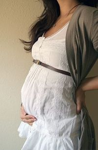 AW! Love this maternity outfit ....