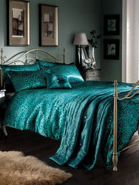 Generic Teal Leopard Print Satin Double Duvet Cover, A contemporary 5 piece animal print bedding set. Includes one double duvet cover, two pillowcases, bedspread and a filled cushion. Machine washable. http://www.comparestoreprices.co.uk//generic-teal-leo...