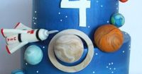 An impressive cake for a space party