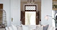 LOVE the white on white with the rustic wood accents!! - lookslikewhite Blog - lookslikewhite