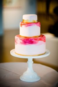 pink and gold painted cake | Asya Photography | Glamour & Grace