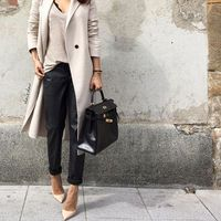 The most stylish selfie outfits