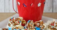 4th of July Snack Mix - by glorioustreats.com #4thofjulytreats #redwhiteandblue