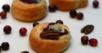 Nutty Blue Cranberry Sauce Rounds