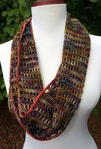 Simple and fun cowl, perfect for beginners or those who are new to charts.