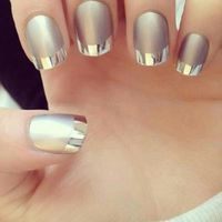 We know that how much girls are obsessed with with cool metallic nails and Mirror nails these days.Mirror and