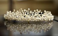 Using Metal Headbands to Make Tiaras | eHow