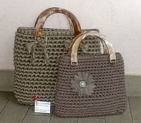 Free Pattern to Crochet a bag from ribbon -