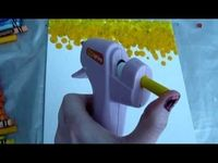Crayons in a glue gun... Shut the front door!!! ...also has other cool links on this page... Great DIY projects! - Click image to find more Kids Pinterest pins