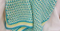 Ashley Afghan, free pattern by Suzi Quillen. (Interlocking DC, similar to Moogly's Leaping Stripes & Blocks). By carrying yarn up the sides, no ends to weave in! Great for colorwork. . . . . �ƒ�Trish W ~ http://www.pinterest.com/trish...