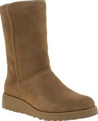 UGG australia Tan Amie Womens Boots Pre-treated to repel water and stains, the Amie arrives fresh from UGG. The tan suede boot is a Classic Slim version of the Classic Short, meaning its a more snug fit and designed to be worn bare foot http://www.compare...