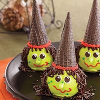 Witch Cupcakes - parents.com has lots of good Halloween stuff, inlcuding printables!