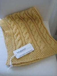 LuluKnits: Cable Knit Blanket.