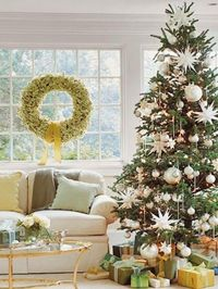 christmas-tree-wreath-window