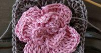 Crochet Rose Granny Square | Granny square tutorials