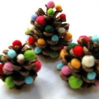 15 Holiday Crafts for Preschoolers. Fun for an inside activity on a col day.