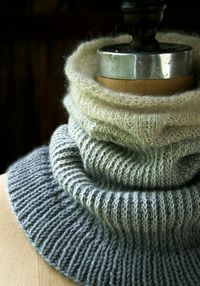 Laura's Loop: Ombre Cowl - The Purl Bee