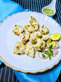 Chicken malai tikka recipe with step by step. Chicken malai tikka also known as murgh malai kebab is a popular creamy Chicken kabab.