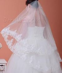 Charming Elbow Wedding Veil With Lace Applique Edge