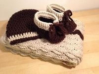 Crochet New born baby blanket hat and booties. by GabriellaDachin, £40.00