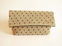 Ravelry: Beige polka dot clutch pattern by ChabeGS
