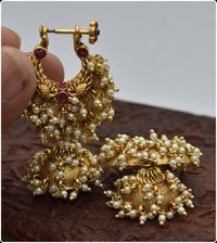 Beautiful traditional southindian makarkunal in gold finish $175.00