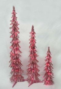 Pink Christmas tree , will make your wedding the talk of town !