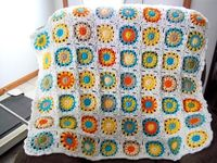 Granny Flower crocheted baby afghan - Sunshine Nursery