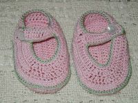 Free Crochet Pattern - Baby Mary Jane Booties from the Baby booties and mittens Free Crochet Patterns Category and Knit Patterns