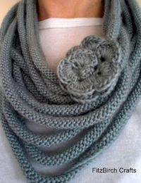 Beautiful Rose Medusa Scarf. Free Knitting Pattern.