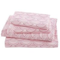 Girls Sheets: Pink Scalloped Sheet Set in Sheet Sets