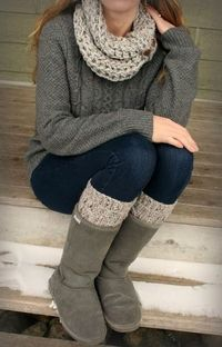 Adorable winter outfit, woolen scarf, sweater and jeans | Fashion World