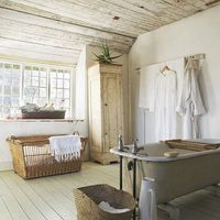 A bathroom with a barn feel to it. #thesoutherncCONTEST