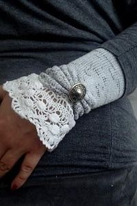 Fabulous Wrist Warmers {tutorial}