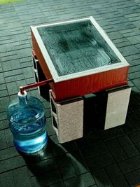 How to Make a Solar Still. Make your own distilled water from stream or lake water, salt water, or even brackish, dirty water, using these DIY Solar Still plans. With just a few basic building materials, a sheet of glass and some sunshine, you can purify ...