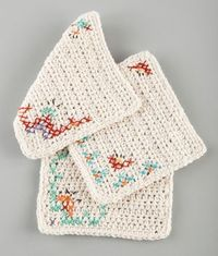Lion Brand shares knit and crochet projects in cotton yarns for items to use in your kitchen and bathroom such as dishcloths, washcloths, srubbies and potholder