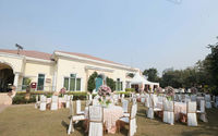 Check 4 star and above wedding halls and hotels on vowsnviews. The palms town & country club is a registered wedding hotel in Gurgaon for grand wedding celebration. Check prices, offers and for hassle free bookings contact www.vowsnviews.com team.