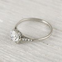 Vintage engagement ring | classic beauty!! �