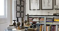Art walls + that table for small space dining...