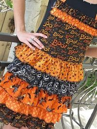 Purple Chocolat Home: Ruffled Halloween Apron Tutorial- can make with appropriate fabrics for other occasions - Christmas, Valentines, etc