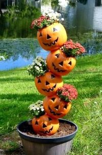 Pumpkin totems, stacks and towers Pumpkin tipsies, explained!