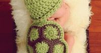 The cutest crochet hat/blanket combo, ever. The animal possibilities are endless�€�