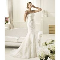 Exquisite Trumpet/Mermaid Strapless Beading Lace Sweep/Brush Train Tulle Wedding Dresses - Dressesular.com