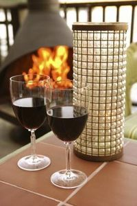 If the glass on your patio table breaks, you may think you have to replace the entire table or replace the broken glass panel with more glass. But you can choos